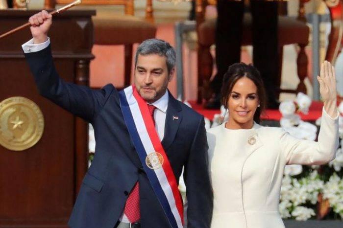 Mario Abdo Benítez asume presidencia de Paraguay y se solidariza con pueblo venezolano