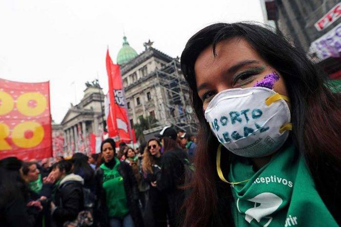 """Senado de Argentina dice """"no"""" a Ley para legalizar el aborto"""