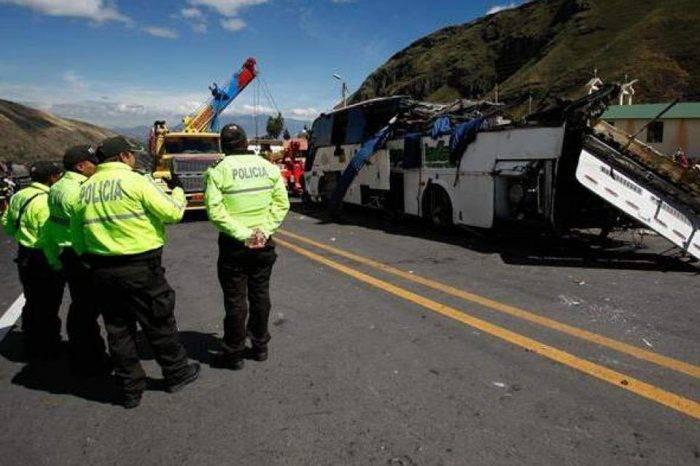 Al menos 2 de 3 venezolanos heridos en accidente en Ecuador están fuera de peligro