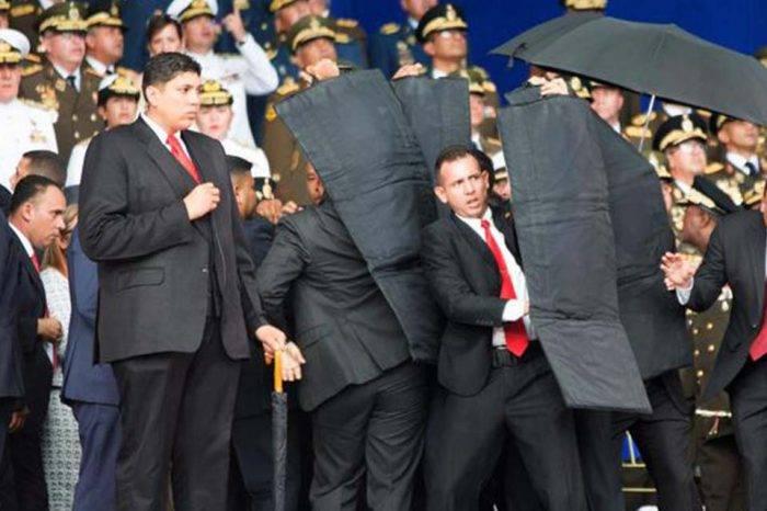 """Entre maletines y paraguas, la defensa de Nicolás Maduro en el """"atentado"""" con drones"""