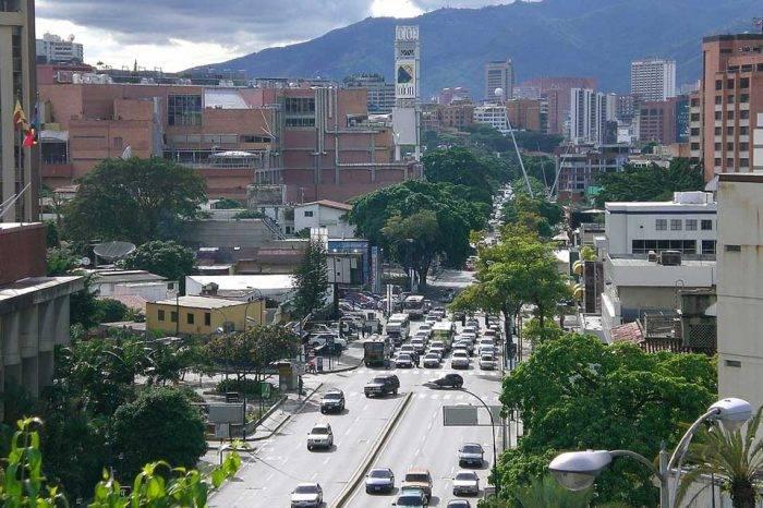 Av. Ppal. de Las Mercedes. Foto: Wikipedia