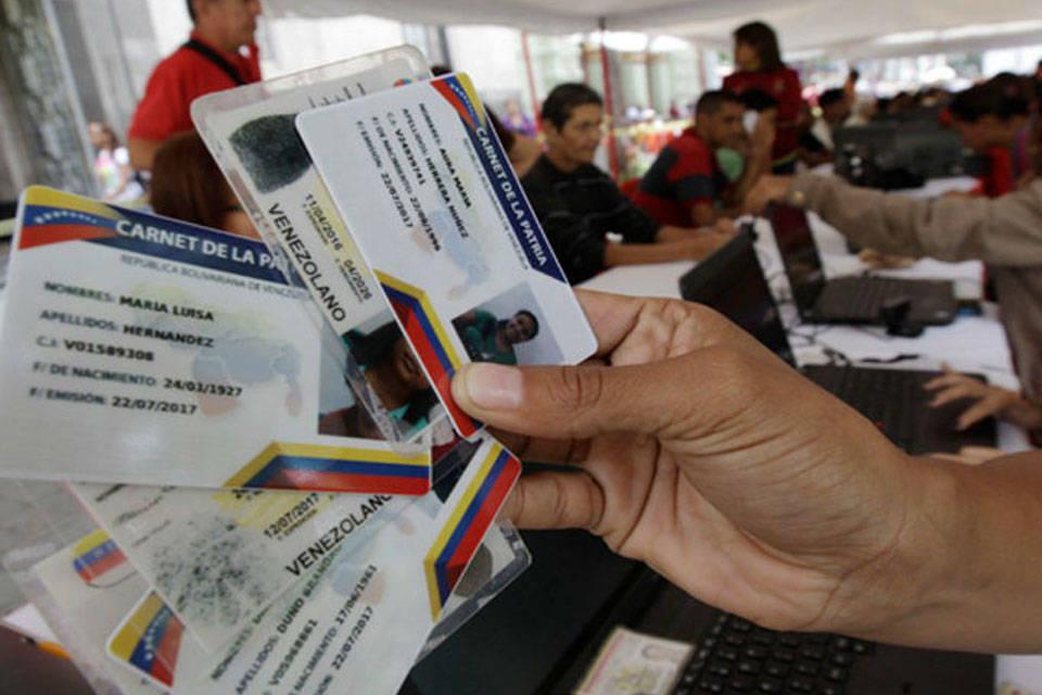 Carnet de la patria. Foto: Caraota Digital