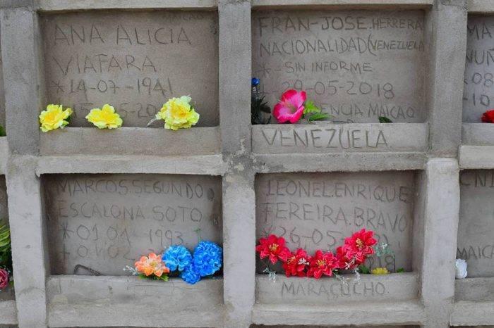 Colombiana brinda cristiana sepultura a venezolanos que mueren lejos de su tierra