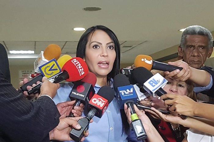 """Delsa Solórzano asegura que la patria """"no se lleva en ningún carnet"""""""