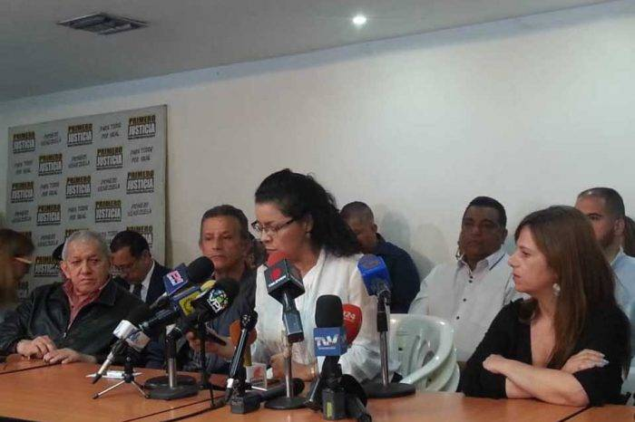 Frente Amplio llama a sumarse al paro convocado por partidos opositores