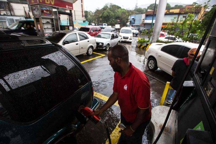 """""""Reservas de gasolina acabarán en un mes"""", dicen sindicalistas de Pdvsa"""