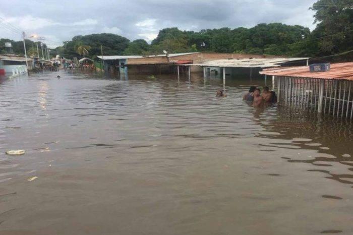 Inundaciones afectan a más de 11.000 personas en Bolívar