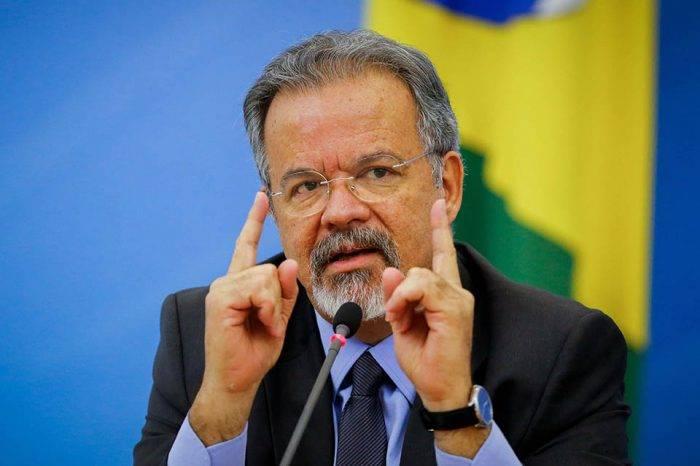 """""""Hay que ser generosos y recibir a los hermanos venezolanos"""", aseguró ministro brasileño"""