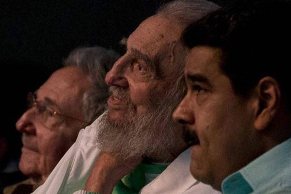 Los Castro y Maduro. Foto: La Prensa