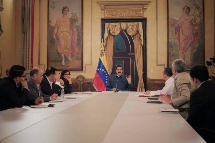 Nicolás impone sin apoyo, por Naky Soto