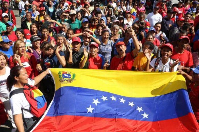 A los estudiantes chavistas le pasaron lista durante la marcha este #21Nov