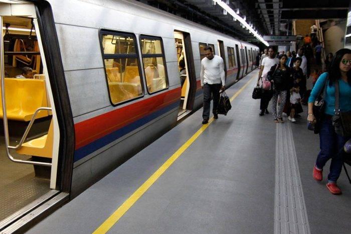 Se descarriló venta de boletos en el Metro por retrasos y averías en equipos