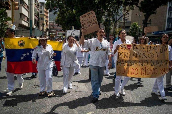 Gremios de la salud reorganizan sus protestas ante nuevos anuncios salariales