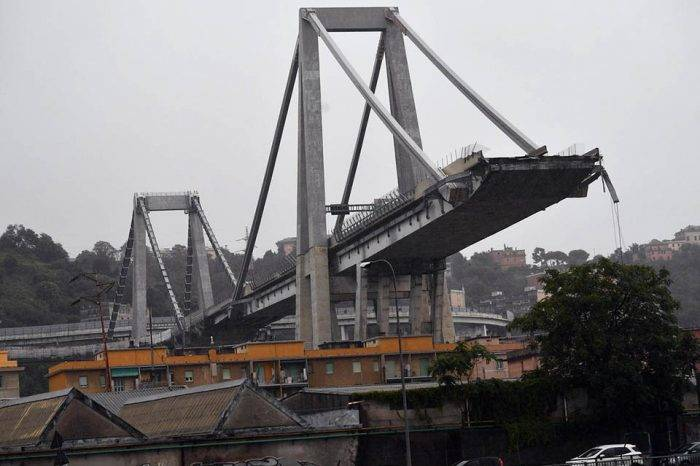 Desplome de autopista en Italia deja una gran cantidad de muertos