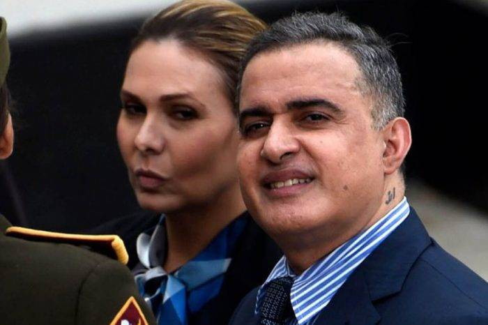 """Saab reveló que un fiscal del Ministerio Público estaría implicado en el """"atentado"""""""