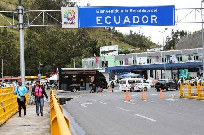 Iglesia de Ecuador pide eliminar exigencia de pasaportes para venezolanos