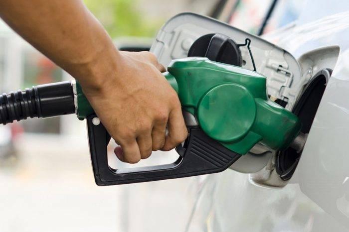 Maduro asoma que aumento de la gasolina será el 20 de septiembre
