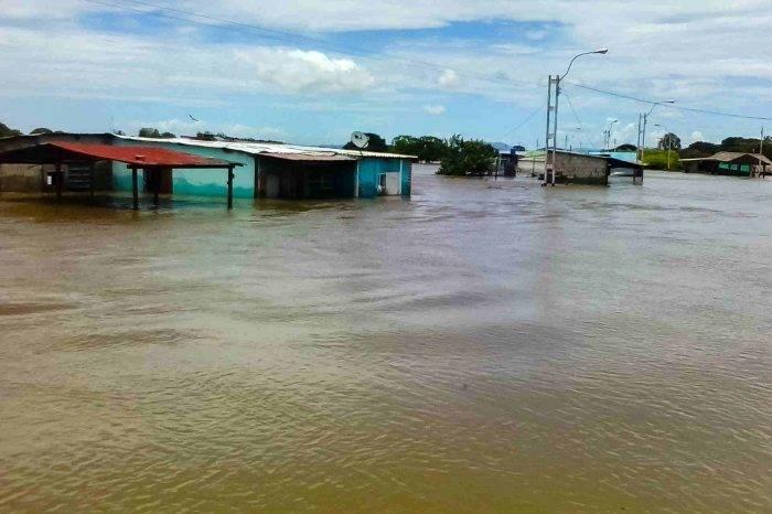 Gobierno instalará un gabinete de lluvias para atender a afectados por las inundaciones