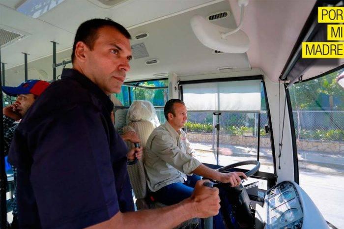 Ministro de Transporte admite que el registro de vehículos es un desastre