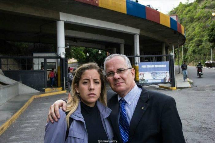 Familia Requesens tras llamada telefónica: Juan es un rehén de Nicolás Maduro