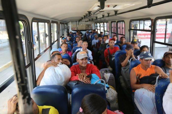 Grupo de venezolanos retornado desde Brasil llega al estado Bolívar