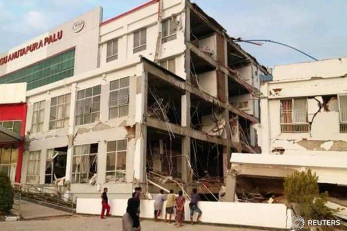 Sube a 384 el balance provisional de muertos tras terremoto en Indonesia