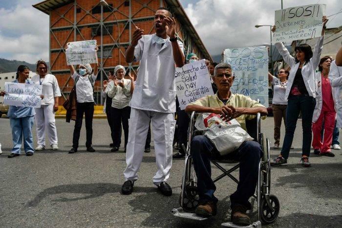 El drama de la salud le sube la fiebre a la protesta social