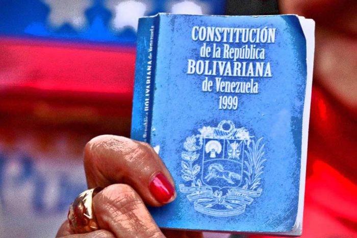 Qué dicen los artículos 233, 333 y 350 de la Constitución que Guaidó mencionó el 11E