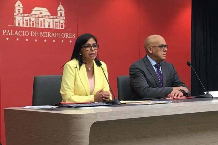 """Delcy Rodríguez tilda de """"chulo"""" a Gobierno colombiano"""