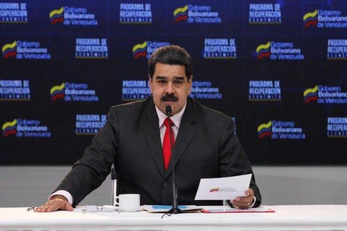 Maduro reconoce que viejo salario mínimo equivalía a un dólar