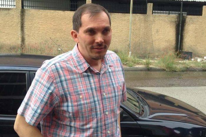 Liberado y sin prohibición de salida del país el periodista Isnardo Bravo