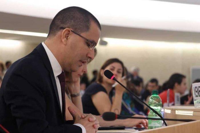 Arreaza acuerda cooperación con Bachelet pese a nota de protesta contra Venezuela