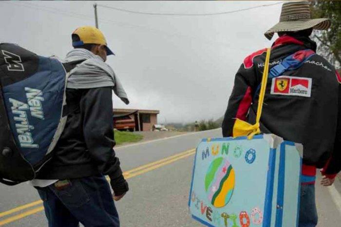 Dos payasos larenses llegaron a Bogotá tras cruzar a pie el páramo colombiano