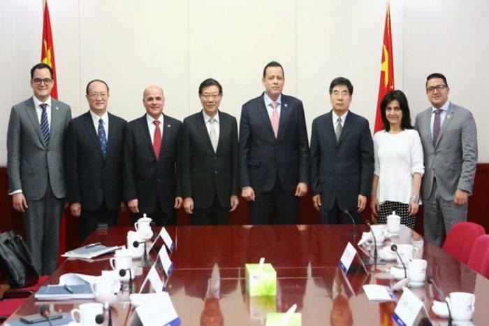 China prestará a Venezuela $5.000 millones mientras Maduro visita Beijing