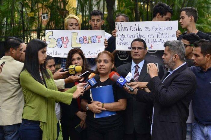 Madre de Lorent Saleh pide al presidente Iván Duque que haga algo por su hijo