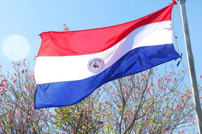 Banco Central de Paraguay impondrá medidas financieras al gobierno de Maduro