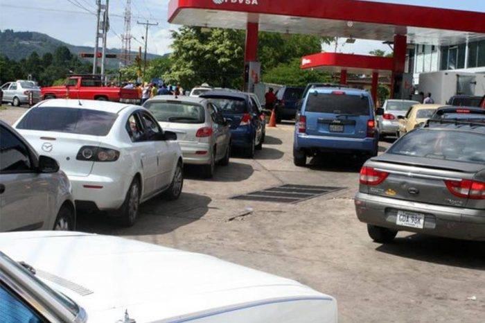 Nuevos sistema de venta de gasolina sigue dado problemas en Táchira y Zulia