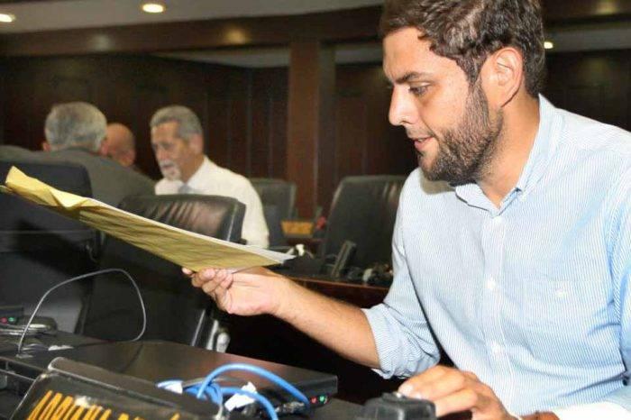 Jueza que imputó ocho delitos a Juan Requesens se fue de Venezuela