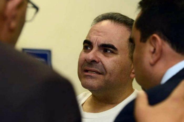 Expresidente salvadoreño es condenado a 10 años de cárcel por corrupción