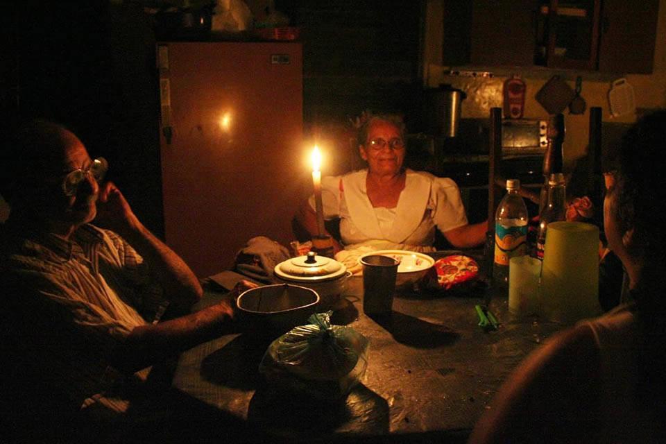 Reportan bajón eléctrico en varios estados del país este #27Feb