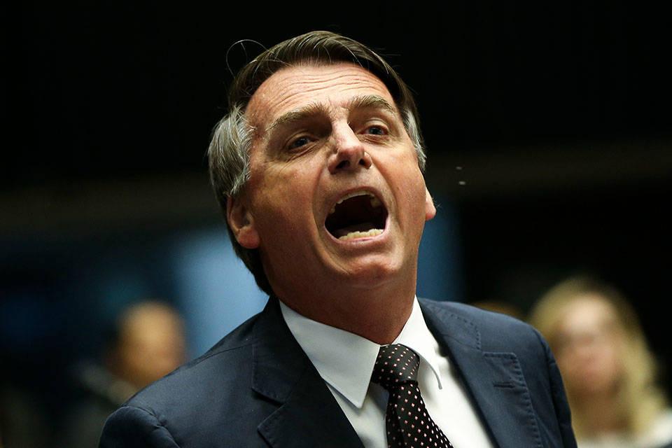 Bolsonaro pide a Macron que se retracte