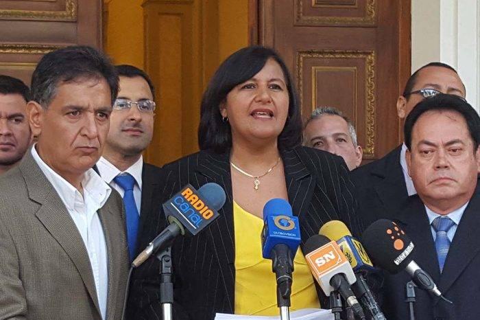 Dinorah Figuera denunció que la violencia a la mujer en Venezuela viene de Maduro