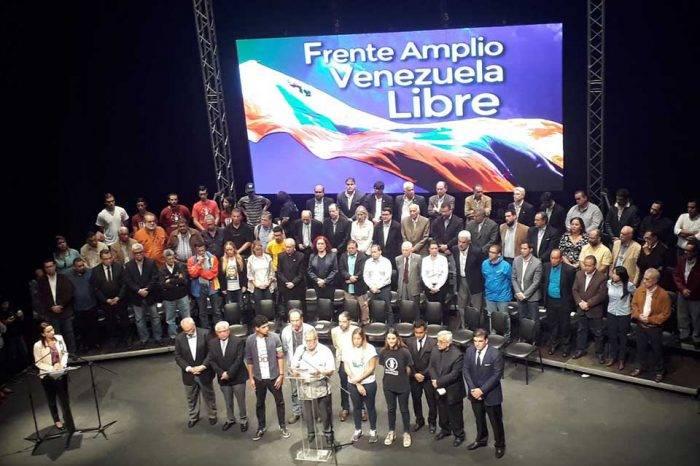 Frente Amplio insta a oposición a rectificar tras denuncias de corrupción