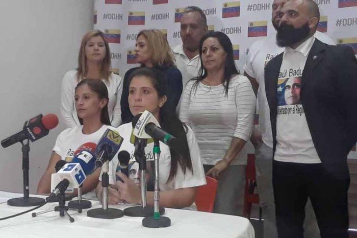"""Familiares de Raúl Baduel denuncian que en """"La Tumba"""" no hay luz desde el lunes"""