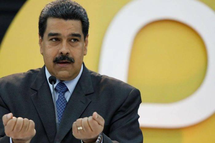 Maduro ordena reforzar inteligencia militar para combatir grupos armados de Colombia