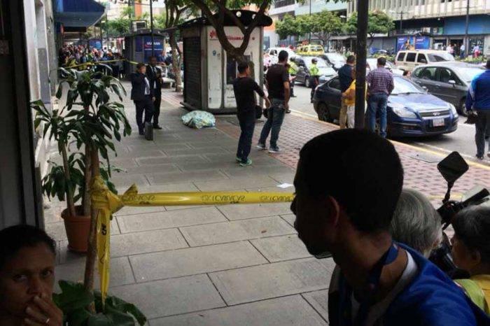 Antisociales asesinan a hombre en Chacao para robarle su celular