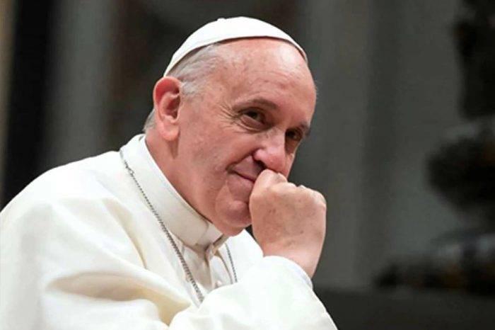 Papa pidió buscar una solución justa y pacífica en Venezuela
