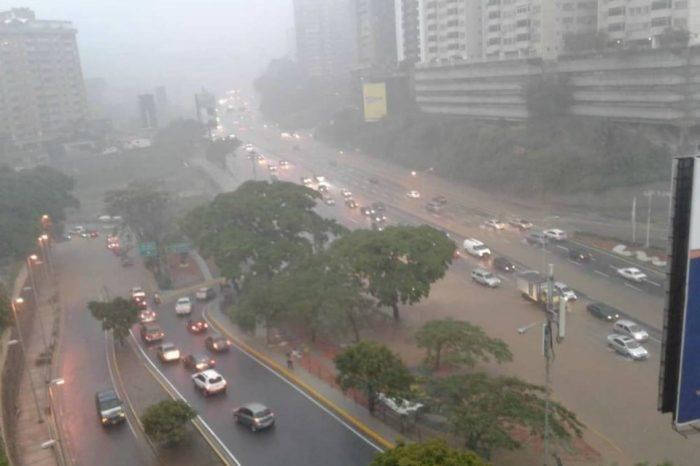 Lluvias ocasionan caos en varias zonas de Caracas