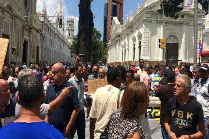 Trabajadores del CNE protestaron en el centro de Caracas para exigir mejoras salariales
