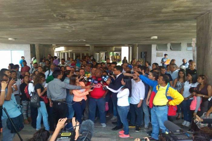 Trabajadores de la UCV protestaron para exigir mejores condiciones salariales